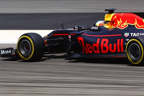 Daniel Ricciardo Red Bull F1 Bahrain testing 2017