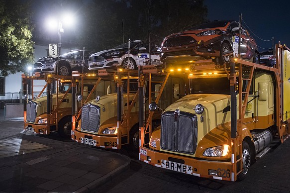 Trucks ready to leave Mexico City, Rally Mexico 2017