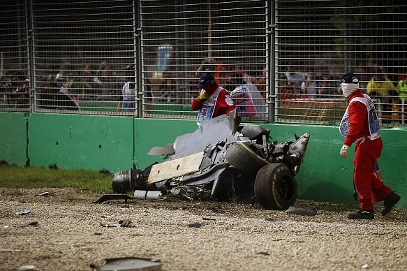 Fernando Alonso Australian GP crash 2016
