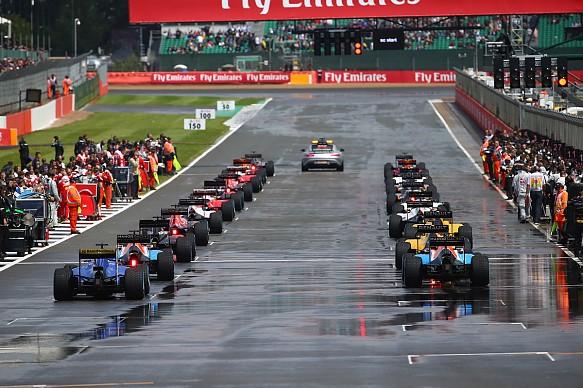 Wet start, British Grand Prix 2016