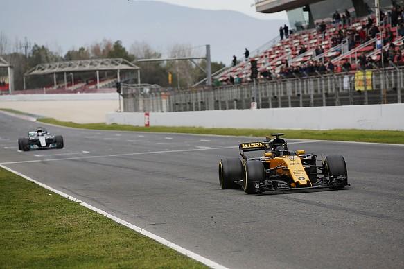 Renault Mercedes F1 testing 2017