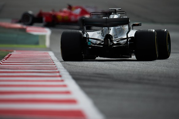 Mercedes Ferrari F1 testing 2017