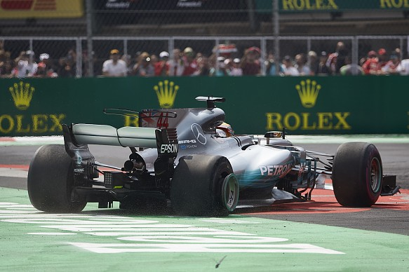 video how diffuser damage affected hamilton 39 s f1 car in mexico f1 news. Black Bedroom Furniture Sets. Home Design Ideas