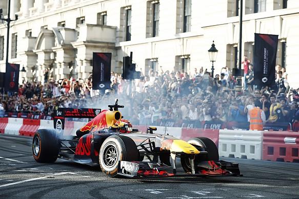 Max Verstappen London F1 Live 2017