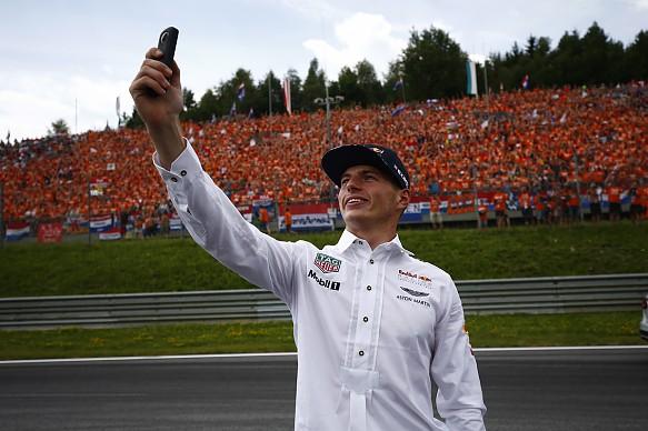 Max Verstappen F1 fans 2017