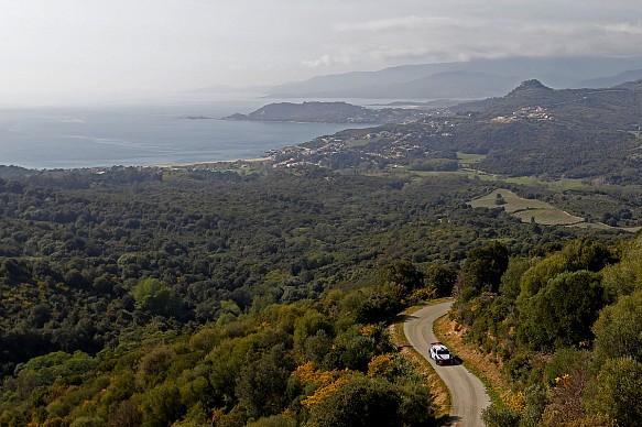 Neuville, Hyundai, Corsica