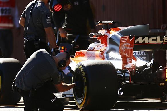 F1 pitstop 2017 testing