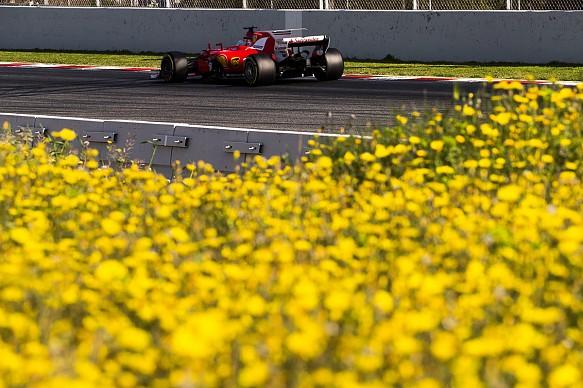 Vettel, Ferrari, testing
