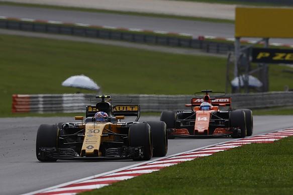 Palmer Alonso Malaysian Grand Prix 2017