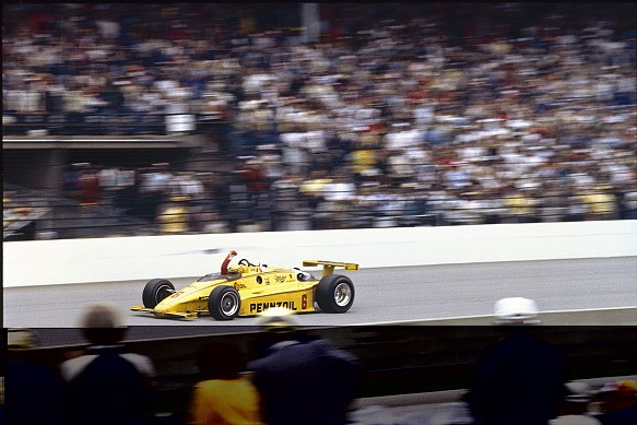 Seconda vittoria allo Speedway. autosport.com