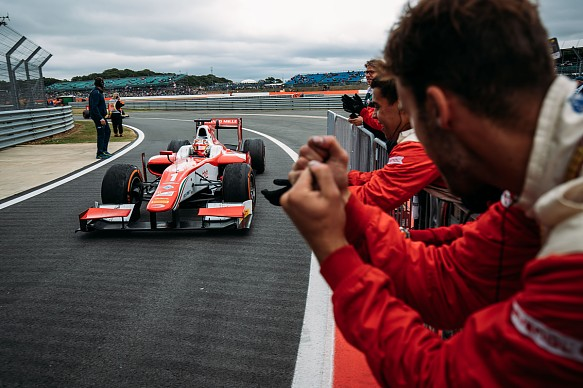 Charles Leclerc wins Silverstone F2 2017