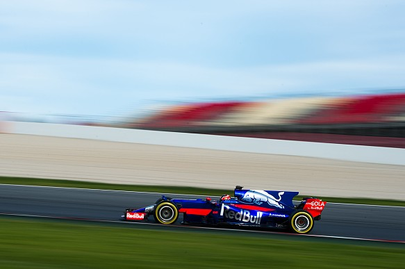 Kvyat, Toro Rosso, testing