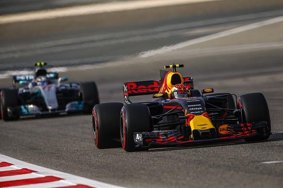 Verstappen Bottas Red Bull Mercedes Bahrain F1 2017