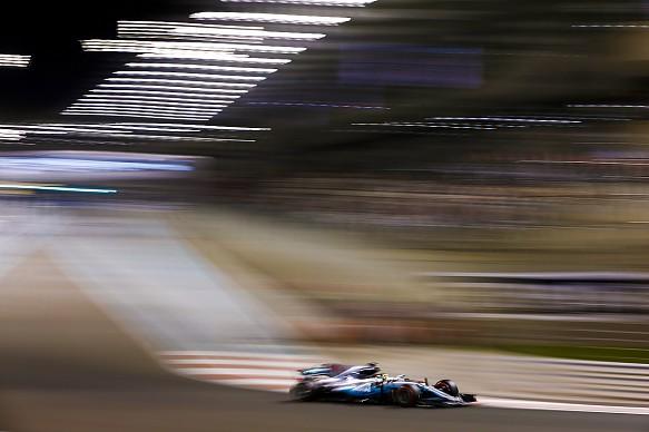Lewis Hamilton Mercedes Abu Dhabi GP 2017