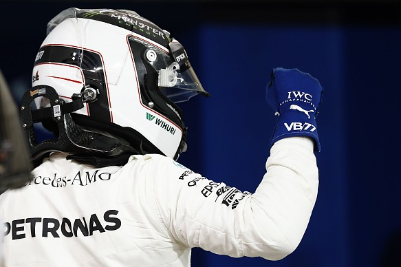 Valtteri Bottas, Mercedes takes Bahrain GP pole 2017