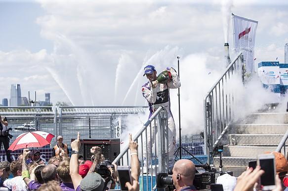 Sam Bird wins New York Formula E 2017