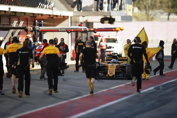 Jolyon Palmer Renault failure F1 testing 2017