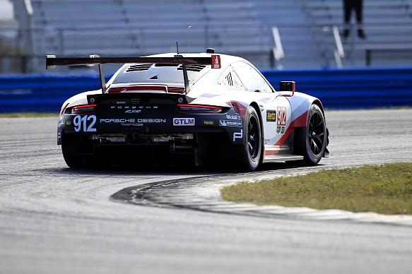 Pilet Vanthoor Porsche 911 RSR Daytona testing 2017