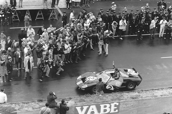1966 Le Mans 24 Hours, Chris Amon Bruce McLaren