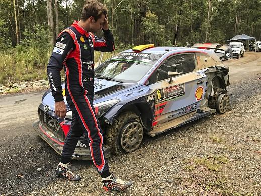 Andreas Mikkelsen damage WRC Australia 2017
