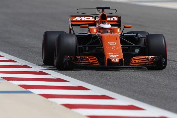 Stoffel Vandoorne, McLaren, Bahrain F1 test 2017