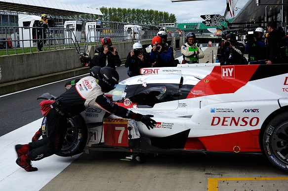 Damage on the #7 Toyota, Silverstone WEC 2017