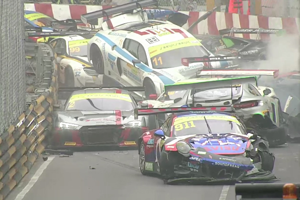 Macau FIA GT World Cup 2017 qualifying race crash