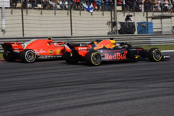 Ricciardo Raikkonen Red Bull Ferrari F1 2018