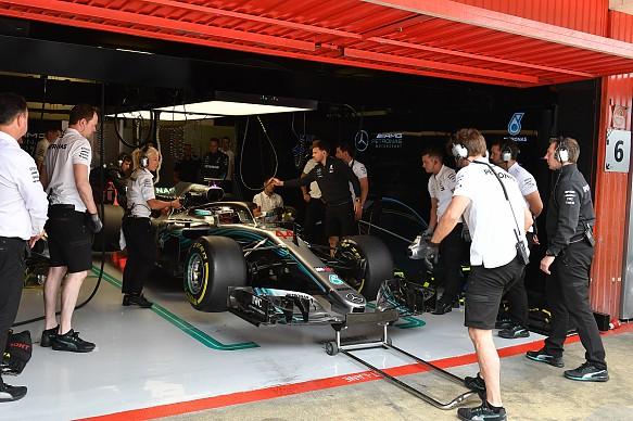 Mercedes F1 garage 2018