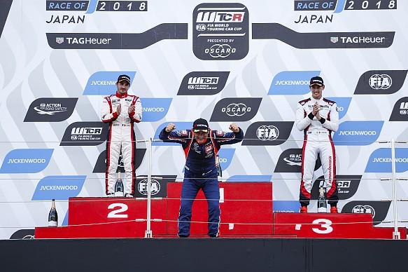 Gabriele Tarquini wins Suzuka WTCR 2018