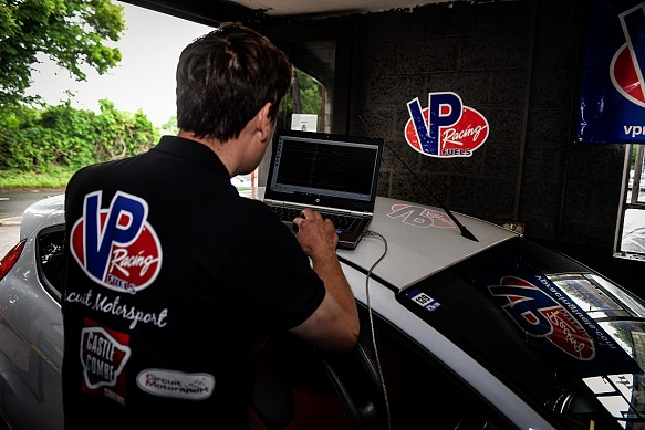 VP Racing Fuels dyno test engine mapping