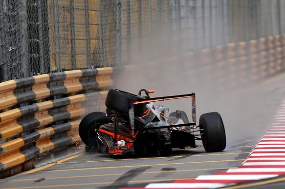 Sophia Florsch crash Macau F3 2018