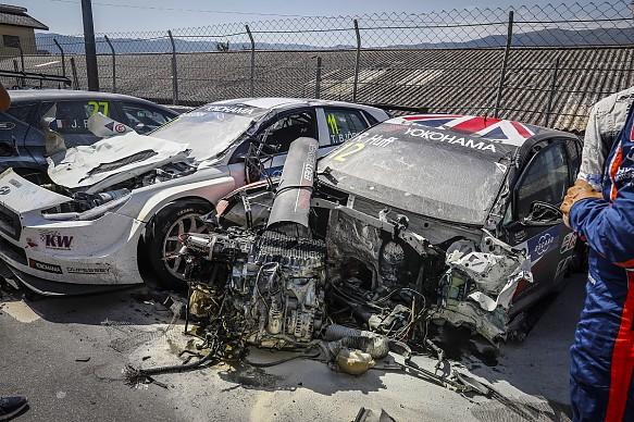 Vila Real WTCR crash