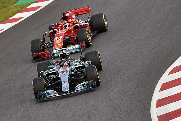 Hamilton Vettel Mercedes Ferrari F1 2018 Spain