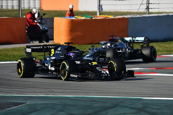 Renault Mercedes Barcelona F1 testing 2020