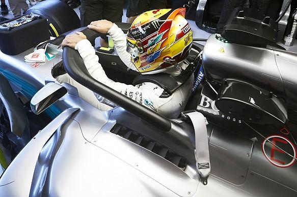 Lewis Hamilton F1 cockpit halo 2017 Mercedes