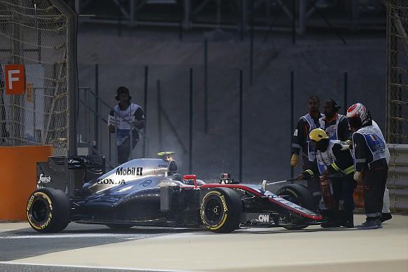 Jenson Button McLaren stops Bahrain GP 2015