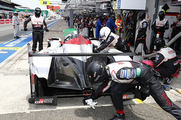 #7 Toyota pitstop Le Mans 2018
