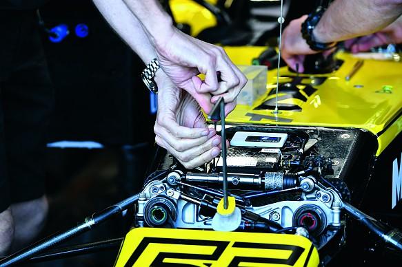 Renault F1 suspension geometry