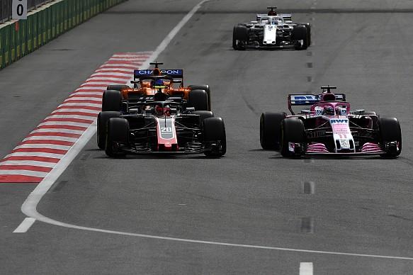 Force India Haas McLaren F1 overtaking 2018 Baku