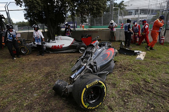Fernando Alonso Esteban Gutierrez 2016 Australian Grand Prix