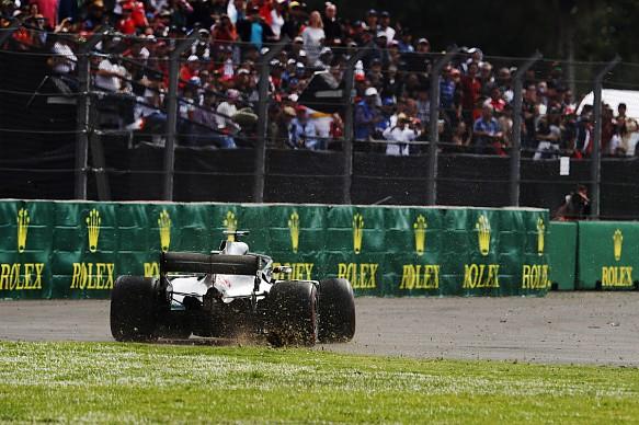 Lewis Hamilton F1 2018 Mexico grass