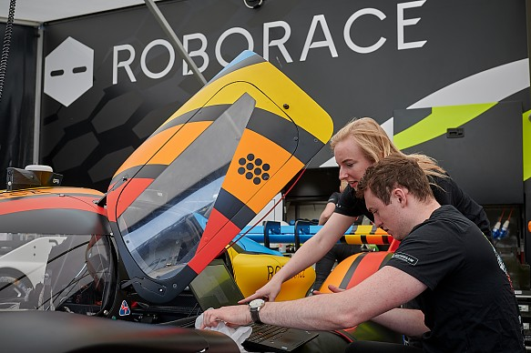 Roborace mechanics season alpha