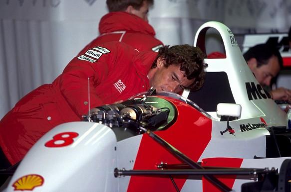 Ayrton Senna McLaren F1 1993 garage