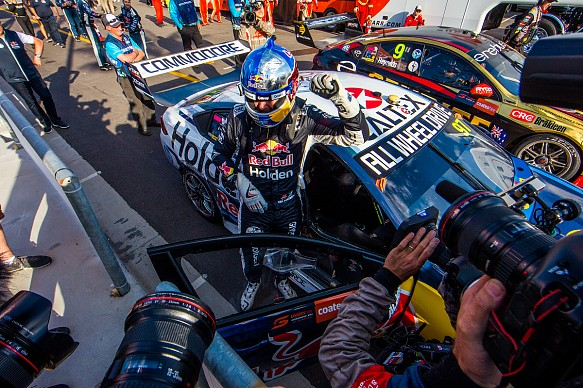 Shane van Gisbergen wins Newcastle Supercars 2018