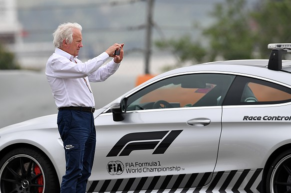 Charlie Whiting F1 safety car