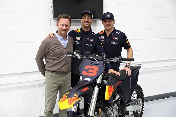 Horner Ricciardo Verstappen Red Bull factory farewell bike 2018