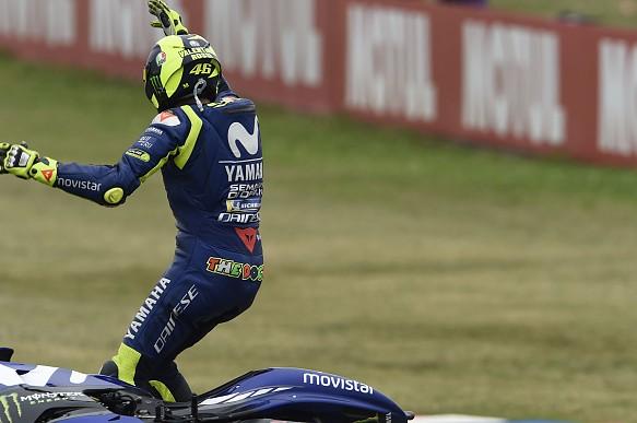 Valentino Rossi crash MotoGP Argentina 2018