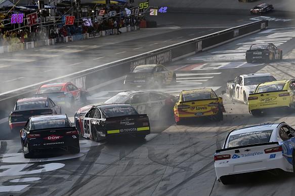 Bristol NASCAR crash 2018