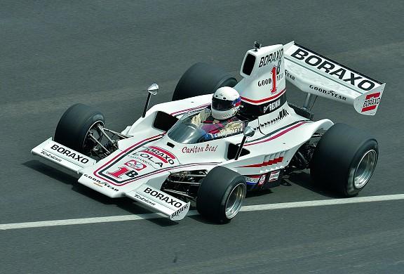 Lola T332 F5000